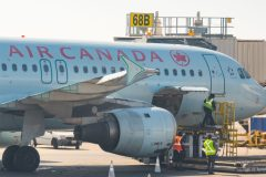Crise du coronavirus: Air Canada met à pied plus de 16 500 employés