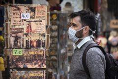 Plus de 2000 cas de coronavirus en 24h en Espagne