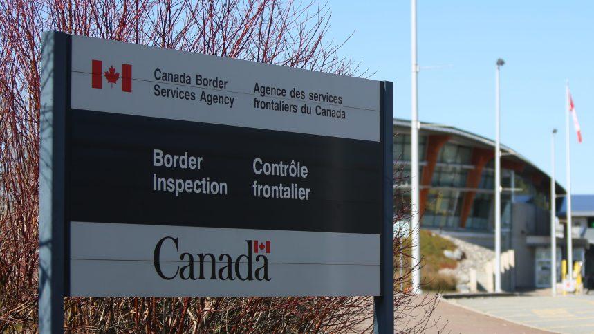COVID-19: Ottawa tente de convaincre Washington de ne pas militariser la frontière