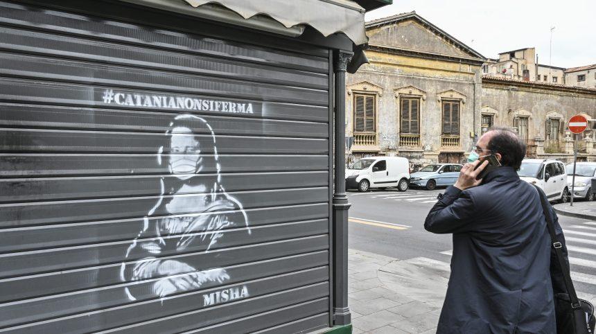 Coronavirus: l'Italie, un mois après le premier mort