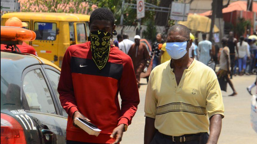Peur et chaos à Lagos, plus grande ville d'Afrique, avant le confinement