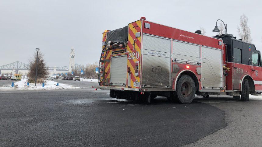 Une personne tombe dans le fleuve au Vieux-Port de Montréal