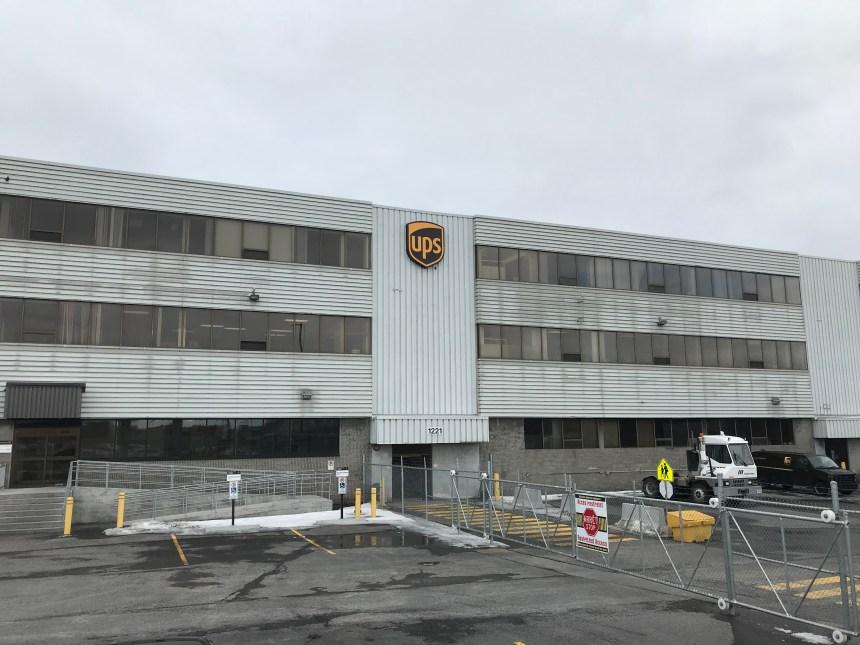 UPS abolit 77 postes