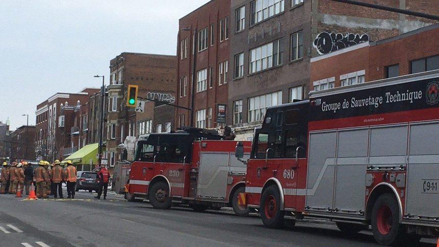 La façade d'un immeuble s'effondre à Montréal