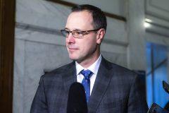 Le ministre Roberge «confiant» de répondre à la pénurie de profs cet automne