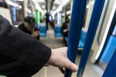 Pas de masque, pas de métro, prévient Legault