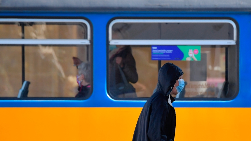 Coronavirus: l'Europe entame un déconfinement à hauts risques