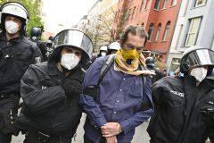 Coronavirus: manifestation contre le confinement en Allemagne