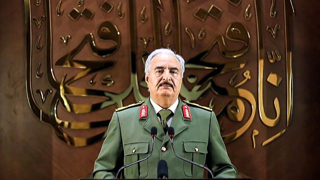 Libye: Tripoli dénonce un énième «coup d'État» du maréchal Haftar