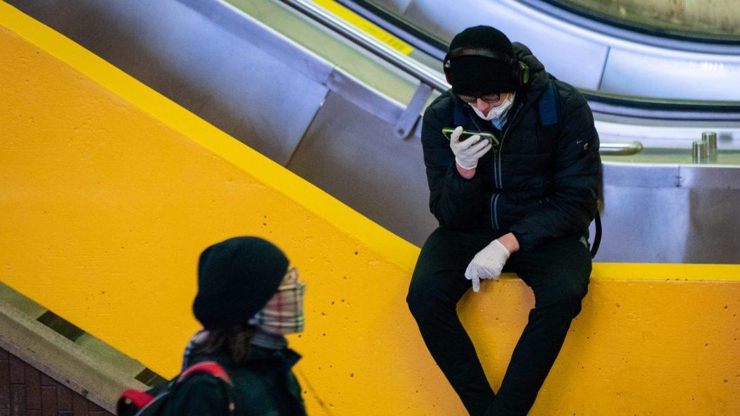 24 heures Des usagers du transport collectif préconisent le port du masque.