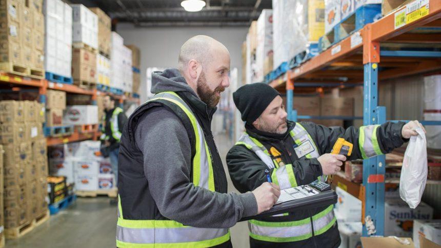 Pour sauver des postes, un distributeur de fruits et légumes livrera à domicile