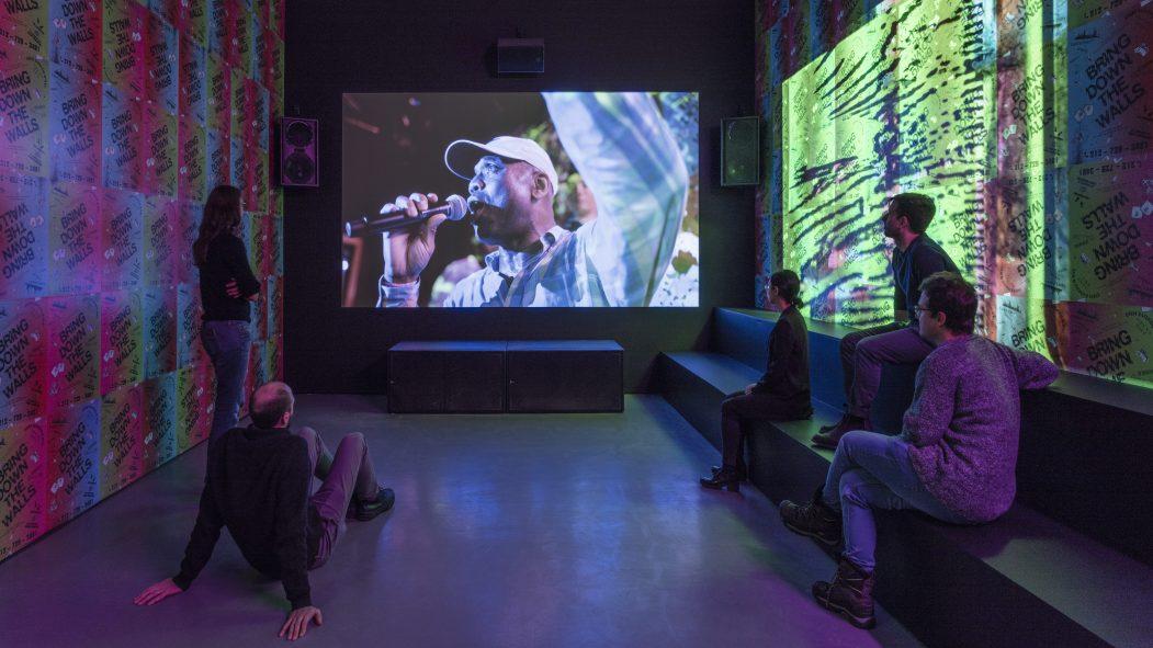 «The Aura»: tête-à-tête avec l'art contemporain