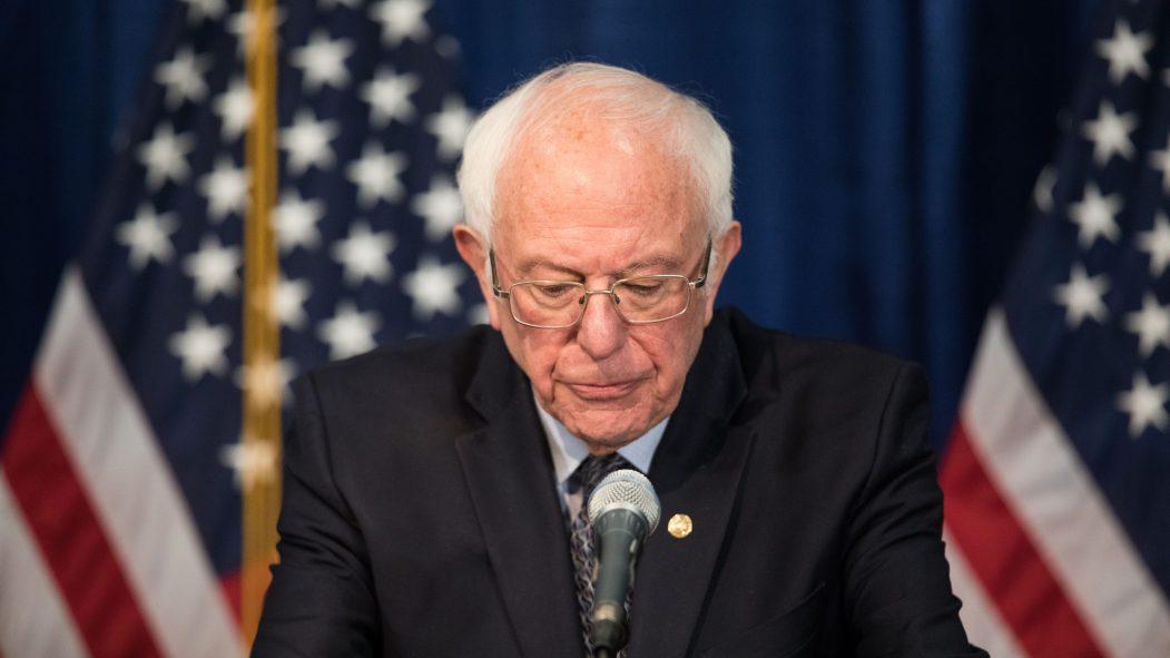 Primaire démocrate: Bernie Sanders abandonne