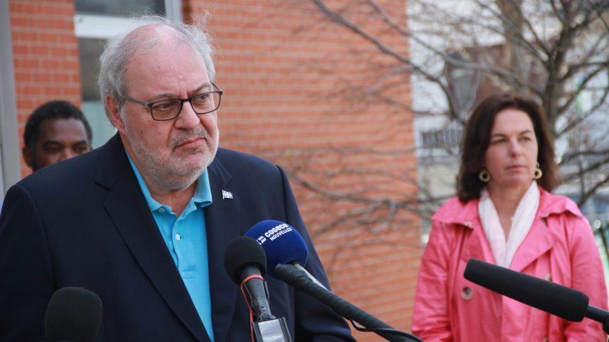 Tests insuffisants pour déconfiner Montréal, selon le PLQ
