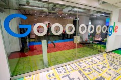 Google publiera des rapports sur les déplacements pour lutter contre la COVID-19