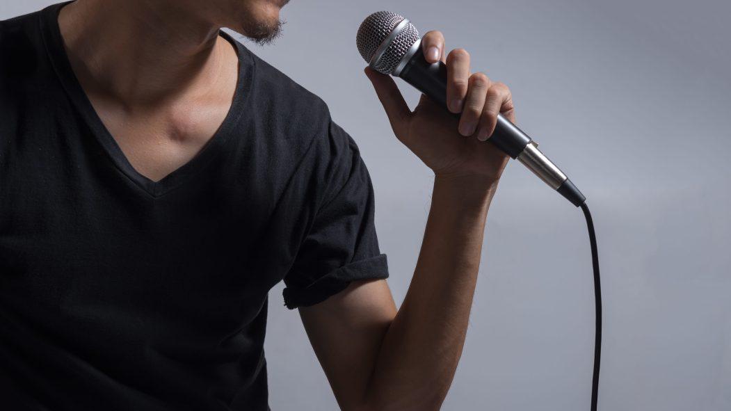Personne qui chante