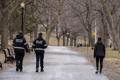 La crise du coronavirus fait craindre des dérives policières à Montréal