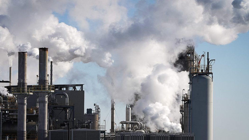 Ralentissement des activités industrielles et retrait de véhicules sur les routes, ce coronavirus serait-il un baume pour la qualité de l'air ?