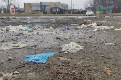 Déchets: la pandémie laisse ses tracesdans les rues de Montréal