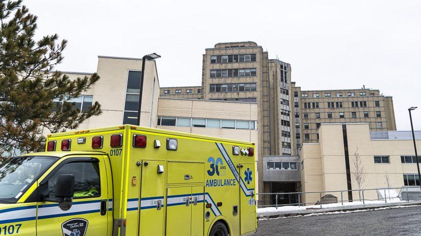 COVID-19: la capacité des hôpitaux du Grand Montréal serait dépassée d'ici un mois