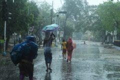 Le puissant cyclone Amphan s'abat sur l'Inde et le Bangladesh