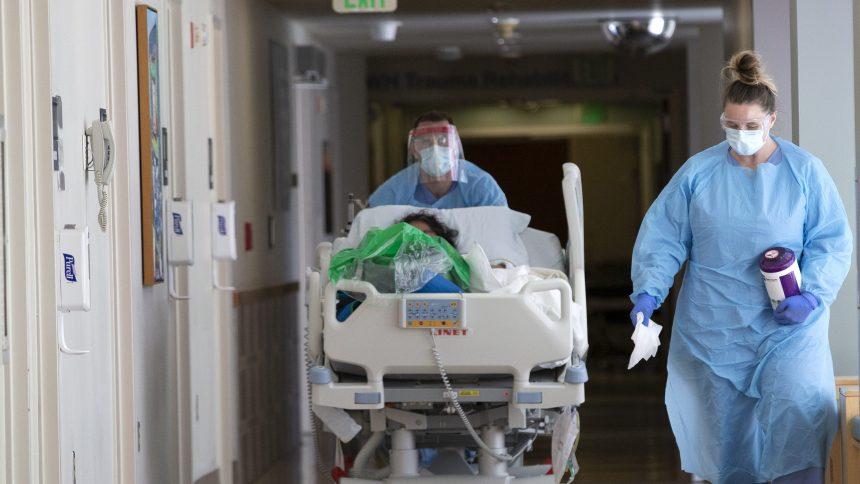 États-Unis: les hôpitaux licencient car le coronavirus rapporte moins