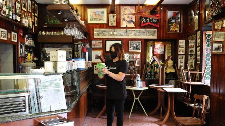Italie: la basilique Saint-Pierre rouvre, les cafés et terrasses aussi