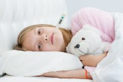 Symptômes, soins et prévention de la COVID-19 chez l'enfant