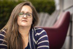 «C'est très stressant»: une ex-infirmière à risque craint d'être envoyée en CHSLD