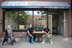 Malgré la crise, le Pita Bar ouvre sur Ontario