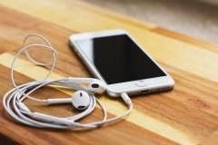 Apple pourrait ne plus donner d'écouteurs à partir de l'iPhone 12