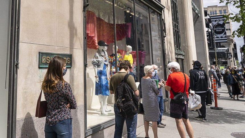 Commerces: le centre-ville redémarre, mais des craintes demeurent
