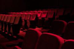 Pendant ce temps, dans les coulisses des théâtres montréalais