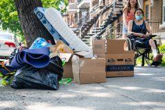 Déménagements: le nombre de familles sans bail atteint un sommet en 15 ans