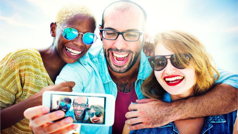 Apple-iPhone brevet selfie egoportrait groupe à distance