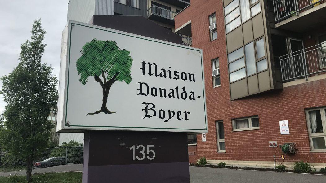 La Maison Donalda-Boyer est située sur l'avenue Dorval.