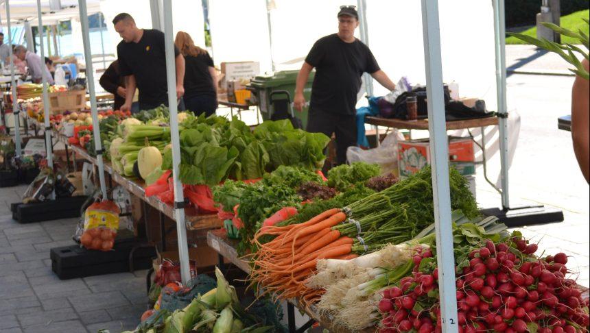 Trois marchés fermiers dans Le Plateau-Mont-Royal