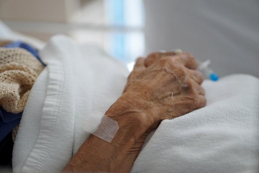 Plus de quatre décès sur cinq en résidence pour aînés dans le Sud-Ouest