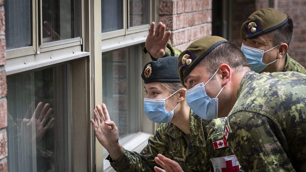 Les militaires de l'armée canadienne s'étaient arrêtés au CHSLD les Floralies LaSalle durant la première vague de COVID-19.