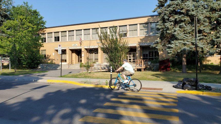 Une piste cyclable crée un froid entre l'arrondissement et la commission scolaire