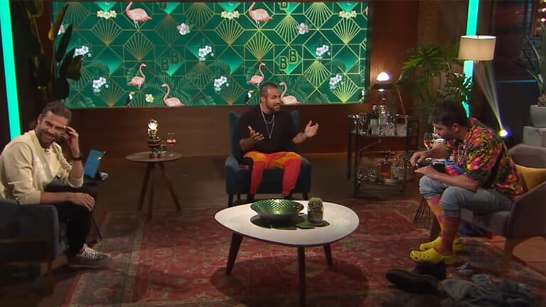 Alexandre Barrette se métamorphose en Jay Du Temple en direct à la télé!