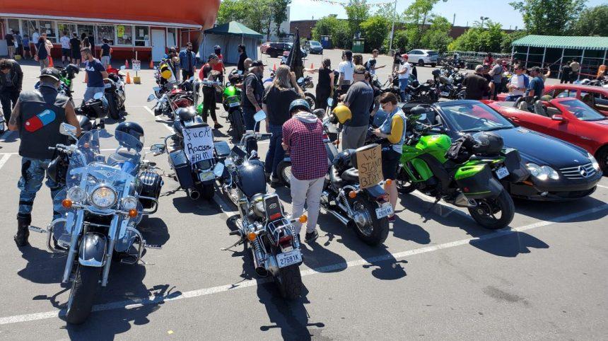 Rassemblement des motards de Montréal contre le racisme