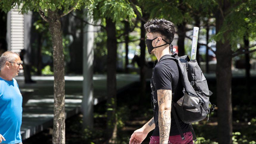 Québec impose le port du masque dans tous les lieux publics fermés