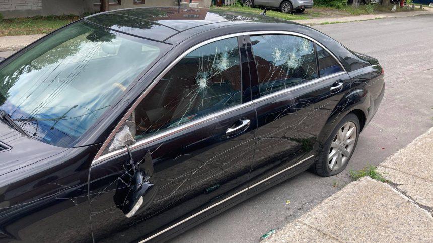 Une quinzaine de voitures vandalisées à Montréal-Nord