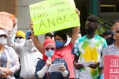 Une manifestation pour réclamer une régularisation de tous les travailleurs essentiels migrants
