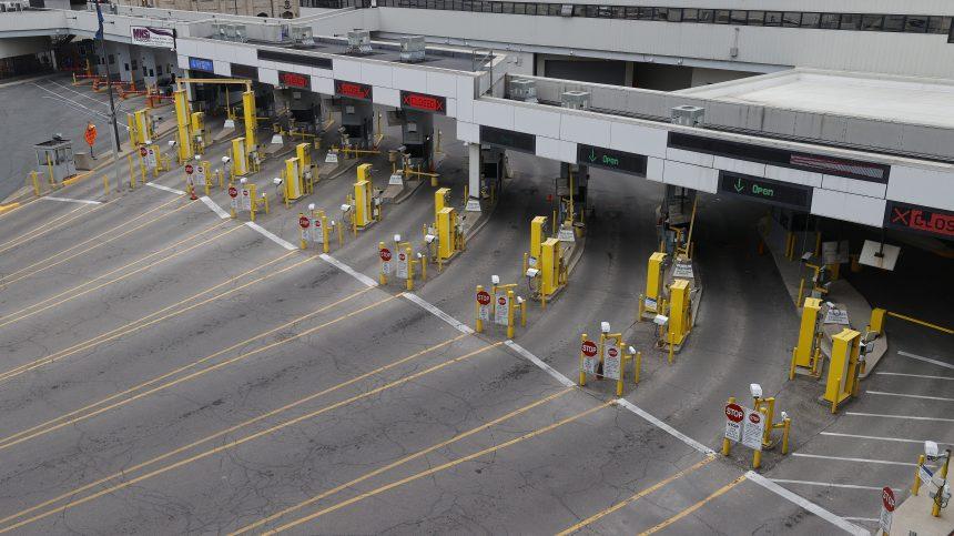La frontière canado-américaine fermée pour un mois de plus