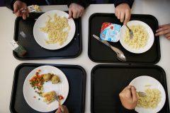 Des écoles couperont l'aide alimentaire cette année
