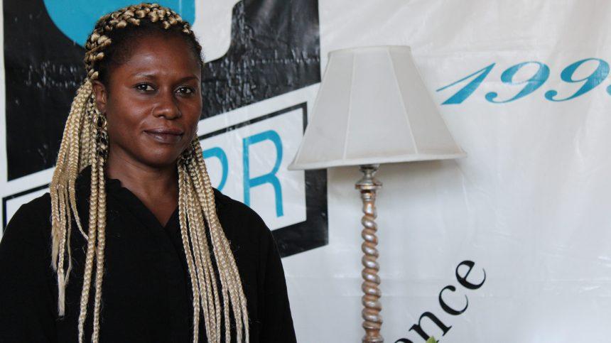 La CDPDJ «balaie sous le tapis» une enquête sur le racisme, craint une mère de famille