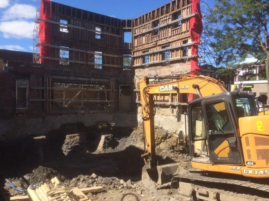 Le chantier sur l'ancien Rapido suspendu