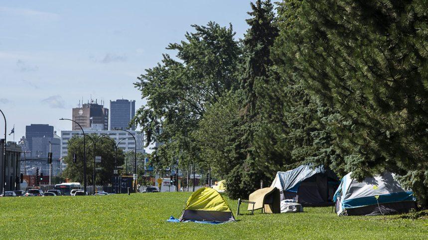 De plus en plus d'itinérants campent sur Notre-Dame Est